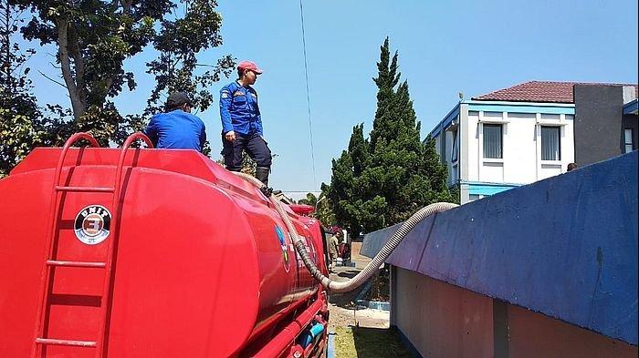 Kekeringan Melanda Kota Dodol, PDAM Tirta Intan Garut Gilir Pasokan Air Bersih ke Pelanggan