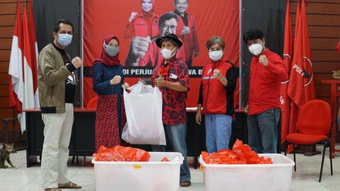DPD PDIP Jabar Salurkan 8 Hewan Kurban, Ono Ajak Korbankan Sedikit Kebebasan Supaya Akhiri Pandemi