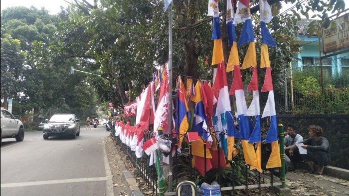 Satpol-PP Kota Sukabumi Berikan Toleransi Pada Pedagang Bendara di Jalan Protokol