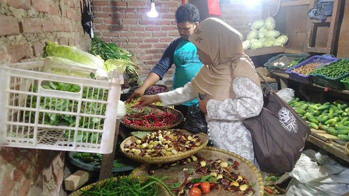 Harga Sayuran Meroket tapi Kualitasnya Turun, Pedagang di Pasar Sayati pun Mengeluh
