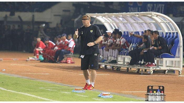 Sudah Kepalang Masuk Semifinal, Ini Target Pelaih Persib Bandung Robert Alberts di Piala Menpora