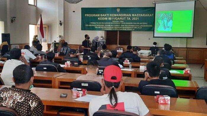 Kodim 0611 Garut Berikan Solusi Bagi PKL Agar Mampu Berjualan Saat Pandemi dengan Pelatihan Ini