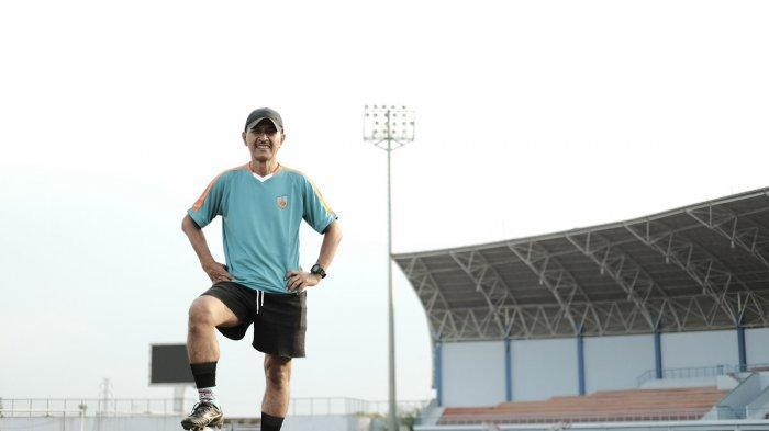 Pemain legendaris Persib Bandung Ajat Sudrajat.