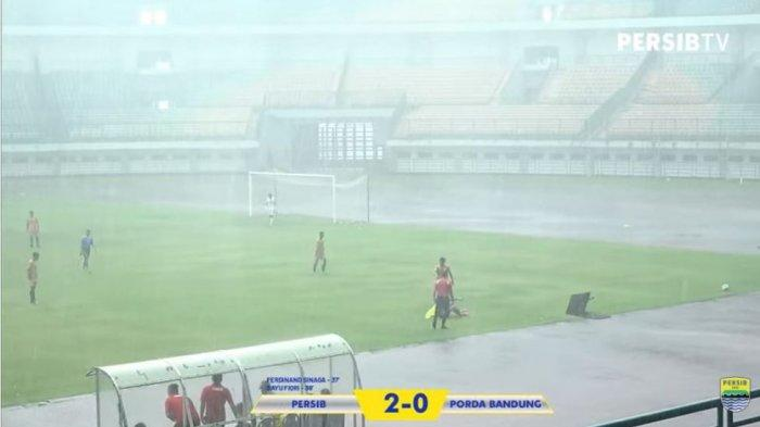 SEDANG BERLANGSUNG Persib Vs Persebaya, Babak 1 Maung Bandung Unggul 3-0 Lewat Gol di Menit ke-37