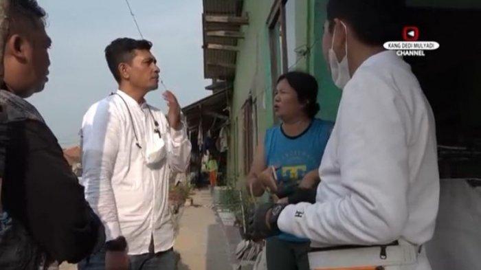 Pembicaraan di luar rumah