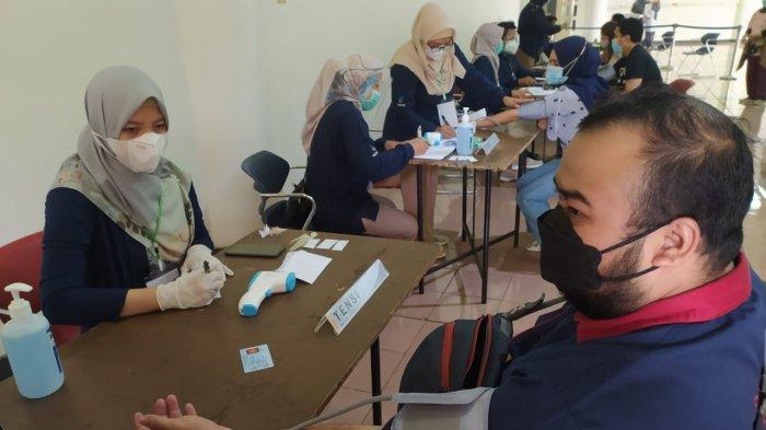 Penyuntikan Vaksin Covid-19 Tahap Dua akan Menyasar Pedagang di Pasar, Kota Bandung Sudah Siap