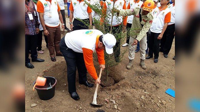 Cirebon Ditanami 20.000 Pohon, Bupati: Jangan Sampai Saat Kemarau Sulit Air, Saat Hujan Malah Banjir