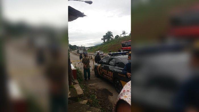 BREAKING NEWS, Pemuda Ditemukan Tewas di Tepi Jalan di Sumedang, Ada Luka Tusuk, Ini Identitasnya
