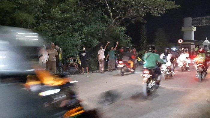 Pemudik yang Lolos dari Pos Penyekatan di Kedungwaringin Bekasi Disambut Sorak Warga