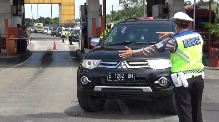 Nekat Tak Bawa Surat Hasil Tes Covid-19, 300 Kendaraan yang Masuk Kabupaten Bandung Diputar Balik