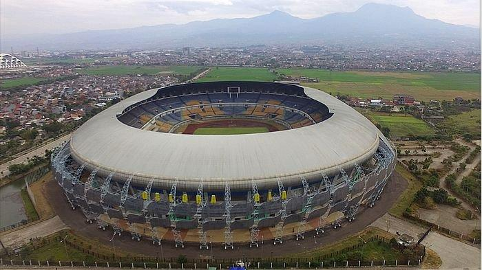 Penampakan Stadion GBLA dari atas saat bebersih Stadion GBLA, Sabtu (20/7/2019).
