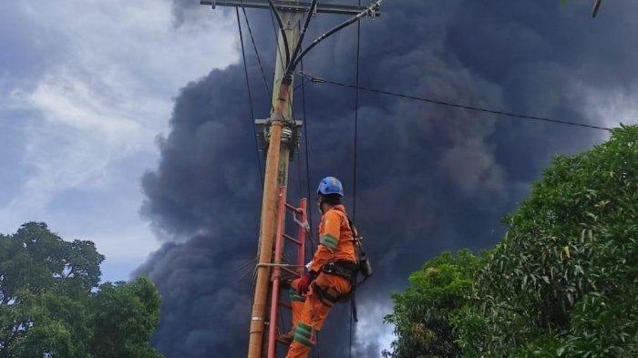 Penanganan PLN pasca kebakaran tangki pertamina