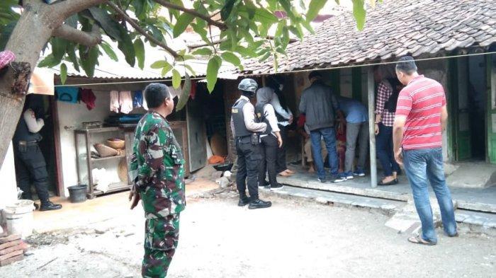 Dalam 2 Bulan Sudah 4 Teroris Ditangkap di Cirebon, Barang Buktinya Anak Panah hingga Bahan Peledak