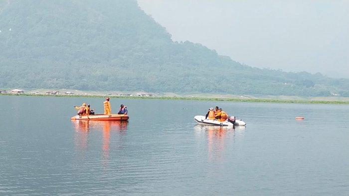 ilustrasi - Proses pencarian dan evakuasi seorang warga tenggelam di Waduk Jatiluhur, Purwakarta.