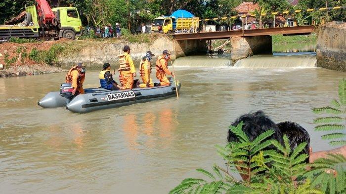 Buang Air di Sungai saat Sedang Banjir,  Pria Paruh Baya di Indramayu Ini Terpeleset dan Tenggelam