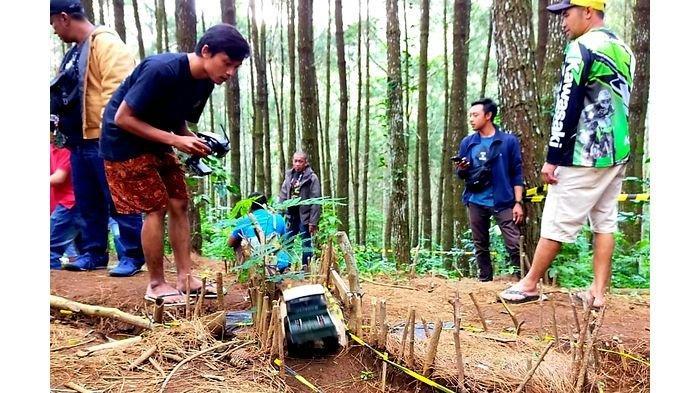 Serunya Saat Minatur Mobil Offroad Terabas Lintasan Hutan Lindung di Lembang