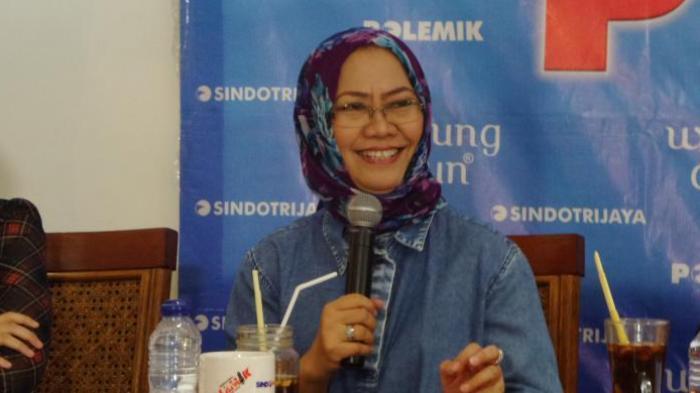 Peneliti Senior Lembaga Ilmu Pengetahuan Indonesia (LIPI) Siti Zuhro dalam acara diskusi di bilangan Cikini, Jakarta, Sabtu (30/7/2016)