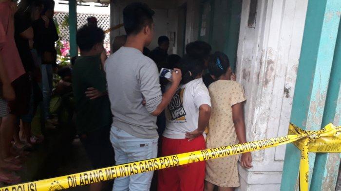 Lokasi Penemuan Mayat yang Sudah Meninggal Tiga Hari di Rumah Jadi Tontonan Para Tetangga