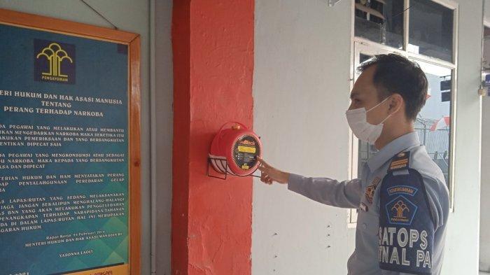 Pengecekan instalasi listrik dan alat pemadam kebakaran Lapas Kelas II A Karawang
