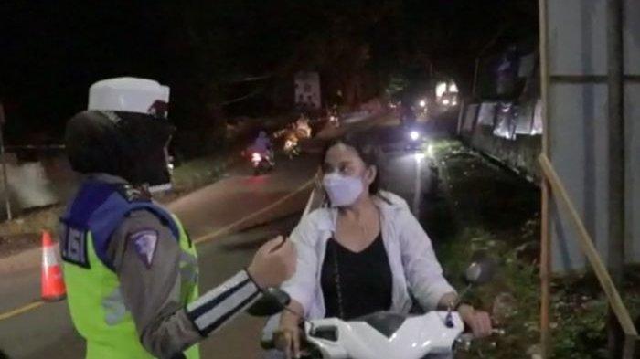 Pengendara Cantik Tak Pakai Helm Terobos Penyekatan di Gunung Butak Sukabumi, Diadang Diminta Balik