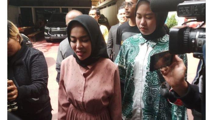 Medina Zein Dipindah ke Lemdikpol, Minta Maaf Lewat IG Langsung Banjir Dukungan dari Sejumlah Artis