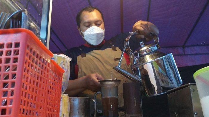 Cerita Ismail Tukang Wedang Jahe di Sumedang, Pendapatannya Semalam Capai Jutaan di Masa Pandemi