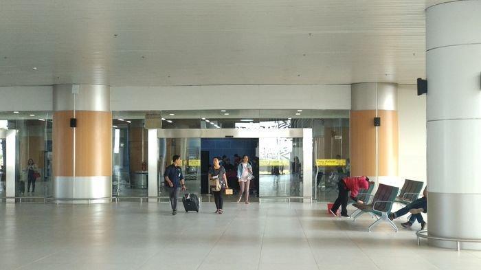Pertama Turun di Bandara Kertajati, Penumpang Bingung Cari Transportasi dari BIJB
