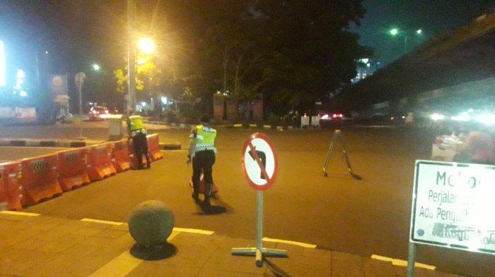 Akses Masuk Kota Bandung Lewat Selatan Ditutup, Buruh dan Pedagang Tujuan Pasar Induk Merana