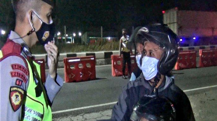 Ini Titik Penyekatan di Pantura Subang, Ketat, Sudah Banyak Pengendara Roda Dua Diminta Putar Balik