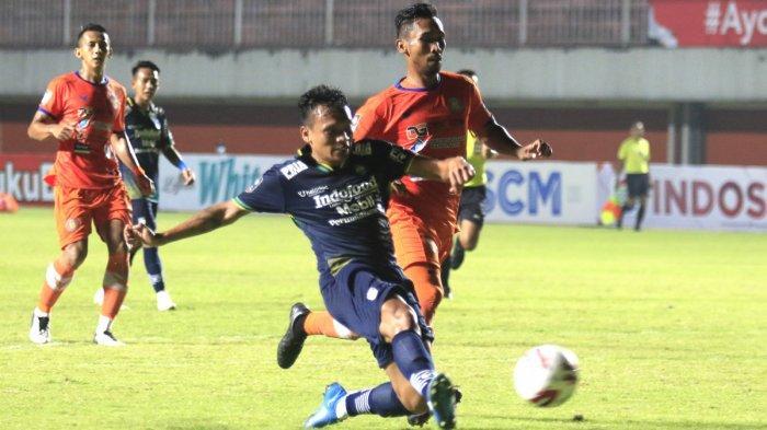 Persib Bandung Harusnya Bisa Cetak 4 Gol ke Gawang Persiraja, Kata Robert Alberts