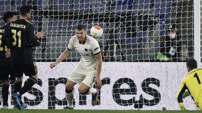 Penyerang AS Roma Tetap Pede Hadapi MU di Semifinal Liga Europa, Edin Dzeko Punya Kenangan Manis