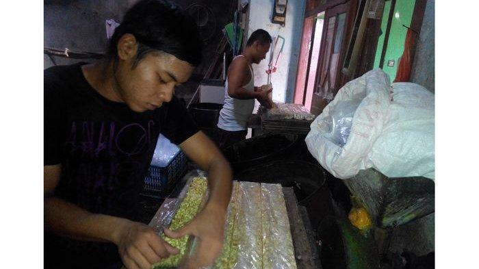 Perajin Tahu dan Tempe di Sukabumi Terpaksa Naikkan Harga hingga 20 Persen, Berharap Operasi Pasar
