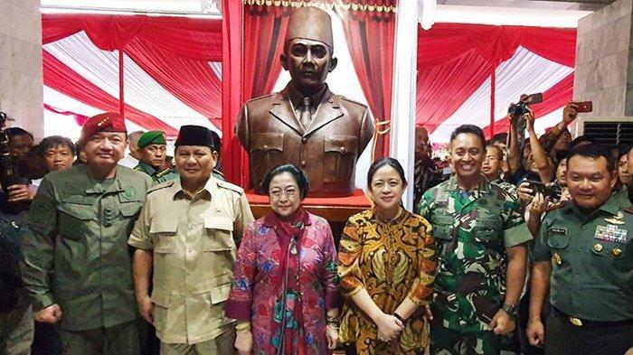 Prabowo Minta Restu Bikin Patung Bung Karno Naik Kuda, Megawati Tersenyum
