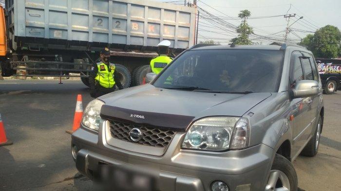 Hari Pertama Penyekatan di Bandung Barat, Ratusan Kendaraan Terjaring di Penyekatan GT Padalarang