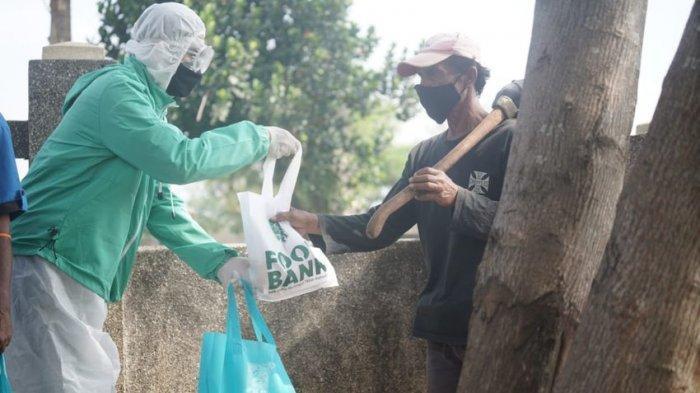 Peringati Harlah ke-23, DPW PKB Jabar Bagikan Makanan Lewat Foodbank di TPU Covid-19 Cikadut