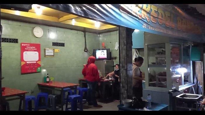 Tampilan depan Kedai Perkedel Bondon, di Jalan Stasiun Timur No 14, Kebon Jeruk, Kecamatan Andir, Kota Bandung, Kamis (22/10/2020).