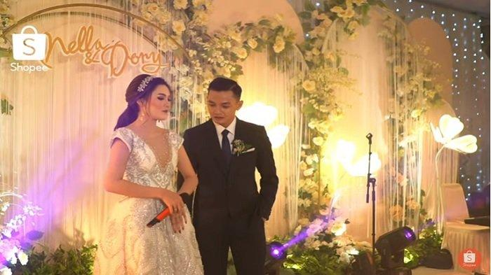 pernikahan Nella Kharisma dan Dory Harsa 2
