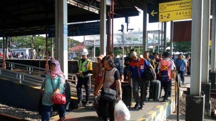 Tiket Kereta Api Cirebon-Jakarta Masih Tersedia, Cek Selengkapnya di Sini