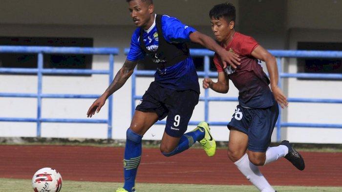 Sore Ini Ternyata Persib Bandung Bertanding, Babak Pertama Unggul 2-0, Wander Luiz Kembali Cetak Gol