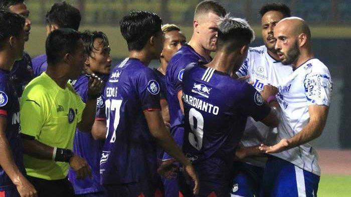Jika Dua Pemain Penting Persib Bandung Absen Lawan Bali United, Ini Sosok yang Bisa Menggantikannya