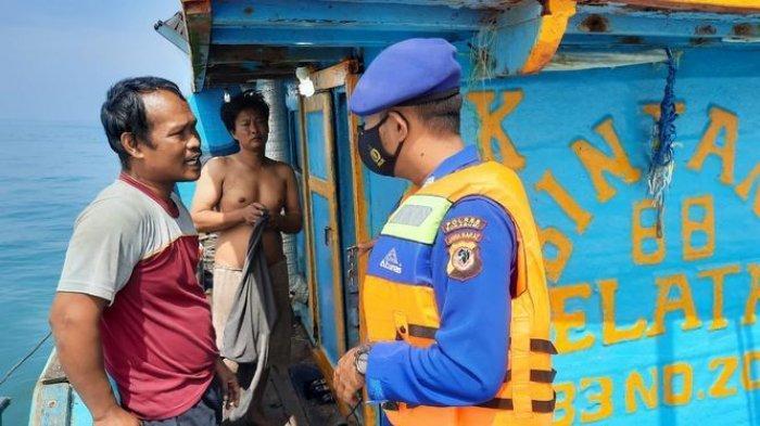 Satpolair Polres Sukabumi Gelar Patroli Rutin, Hentikan Kapal Nelayan Ber-ABK Orang Jawa Tengah