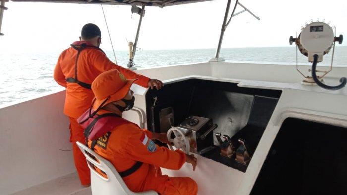 13 Nelayan Terombang-ambing di Tengah Cuaca Buruk Selama 4 Hari di Laut Indramayu, Mesin Kapal Mati
