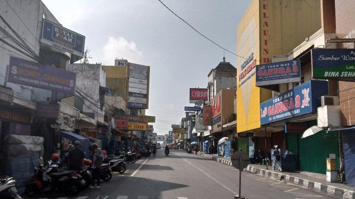 Masih PPKM Darurat, Sejumlah Toko di Jalan Ahmad Yani Sukabumi Sudah Siap-siap Buka