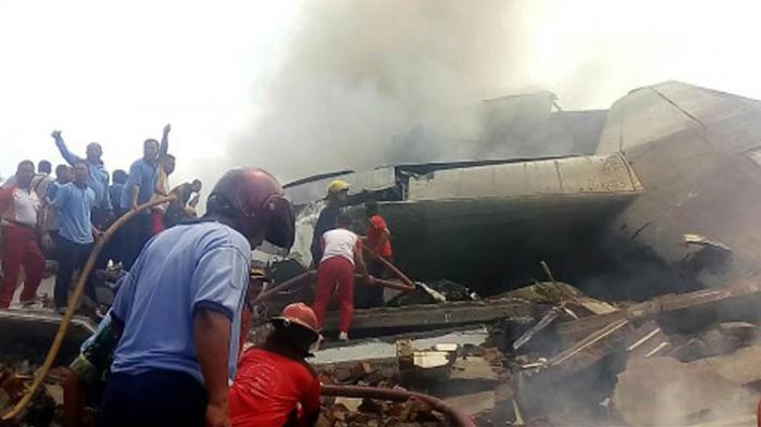 Pesawat jatuh di Medan.