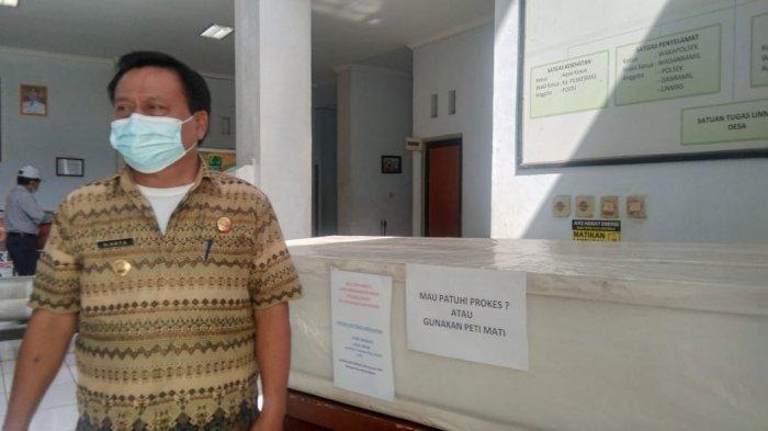 Pajang Peti Mati di Gedung Pelayanan, Camat Lemahabang Karawang Ingin Ingatkan Warga Bahaya Covid-19