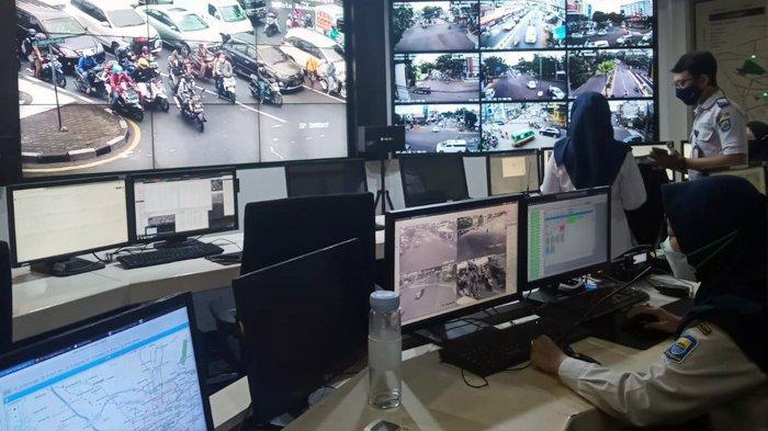 Kisah Petugas ATCS Pantau 200 Titik Jalan di Bandung, Dari Gagalkan Aksi Copet Hingga Diacuhkan