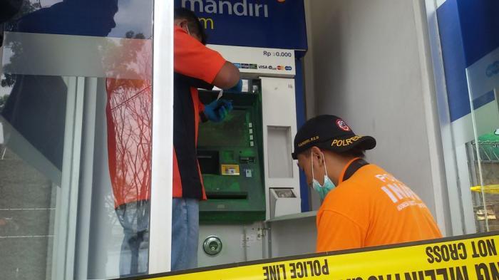 Breaking News Maling Bobol Atm Mandiri Di Spbu Banjaran Tribun Jabar