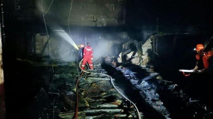 Terjebak Saat Kebakaran Wisma, Enam Orang Tewas, Mayatnya Bertumpukan di Lantai 2