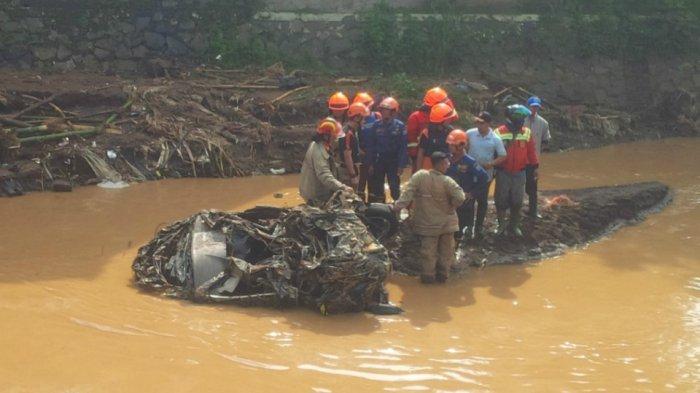 3 Orang Terseret Banjir Bandang di Tasik, Bocah 4 Tahun Hilang Lepas dari Gendongan