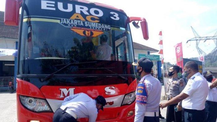 Libur Panjang, Petugas Terminal Ciakar Sumedang Gelar Ramp Check Hingga Test Covid-19